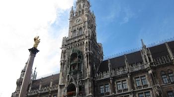 Show item 5 of 5. Gothic building in Marienplatz, Munich