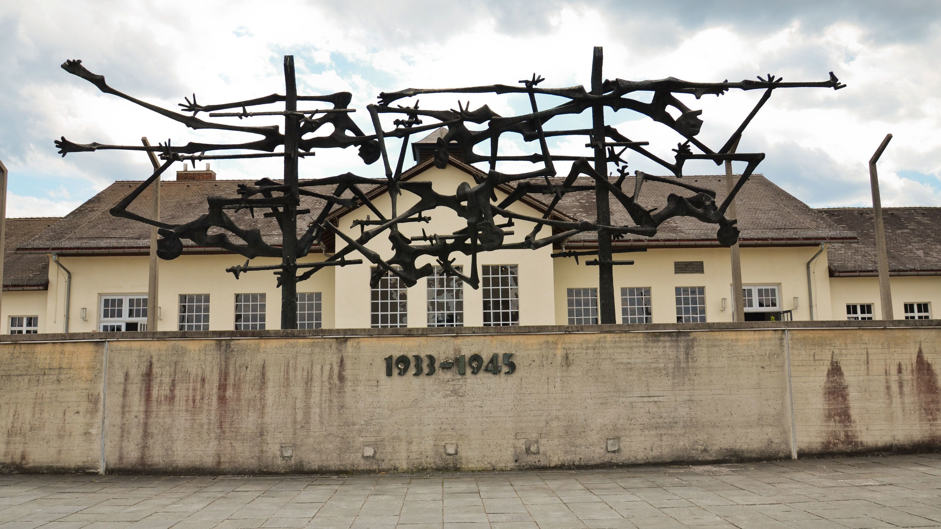 Dachau Memorial Site Half-Day Walking Tour