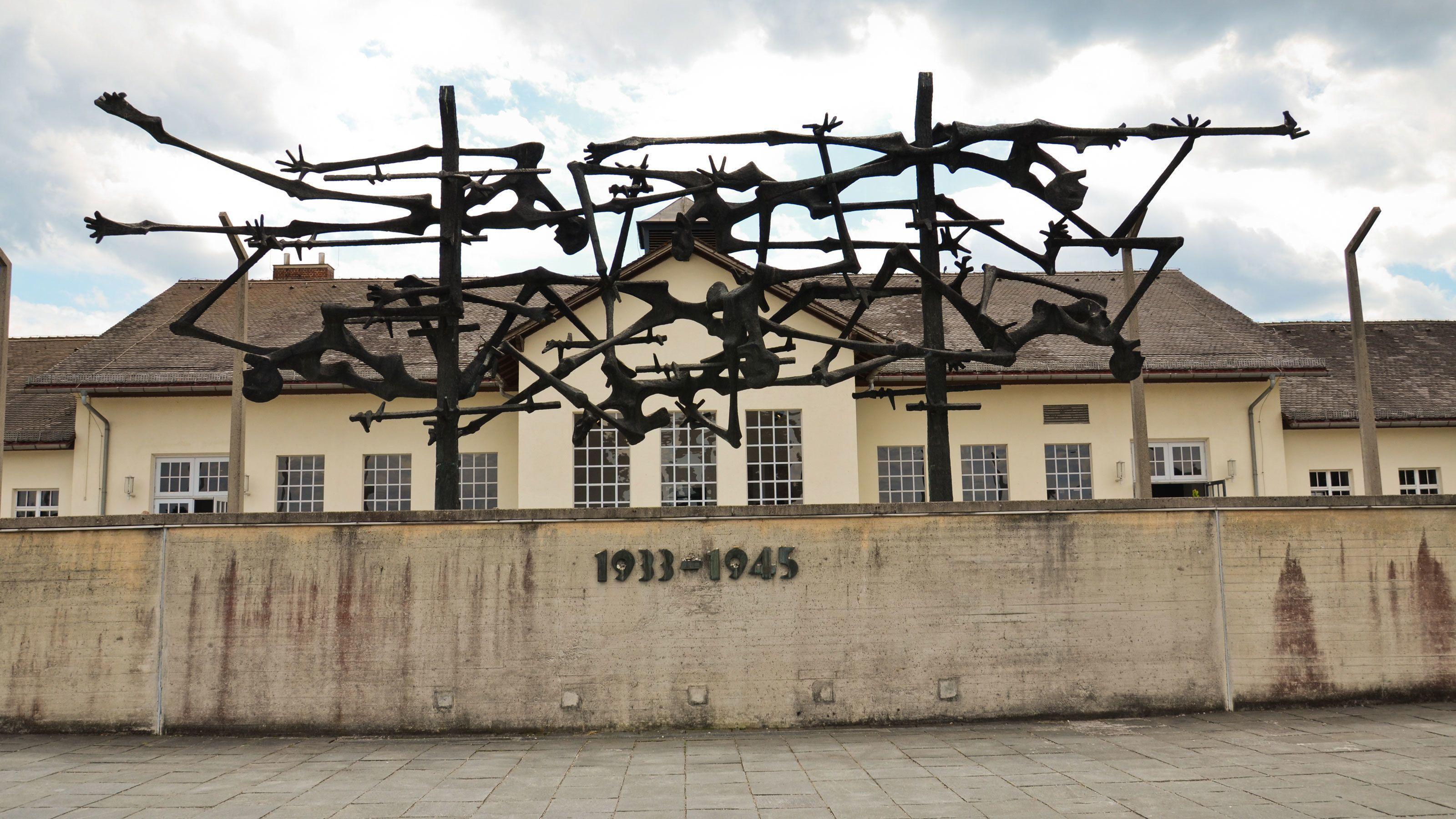 Dachau Memorial Site Half-Day Walking Tour