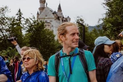 Skip-the-Line Neuschwanstein Castle Tour by train or bus