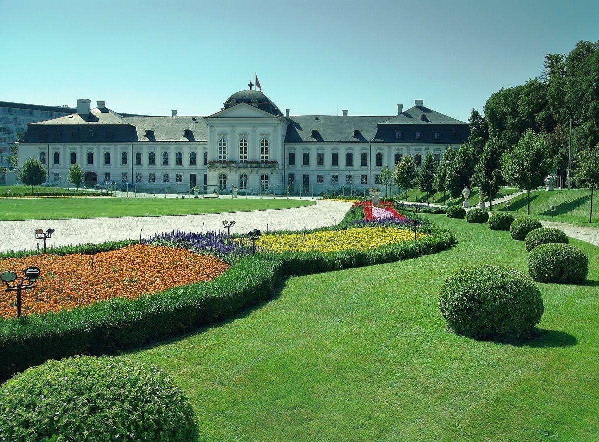 Grassalkovich garden and palace, copyright Brano Molnar1200.jpg