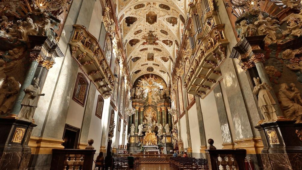 Åpne bilde 3 av 10. Stunning interior view of the The Jasna Góra Monastery in Częstochowa, Poland