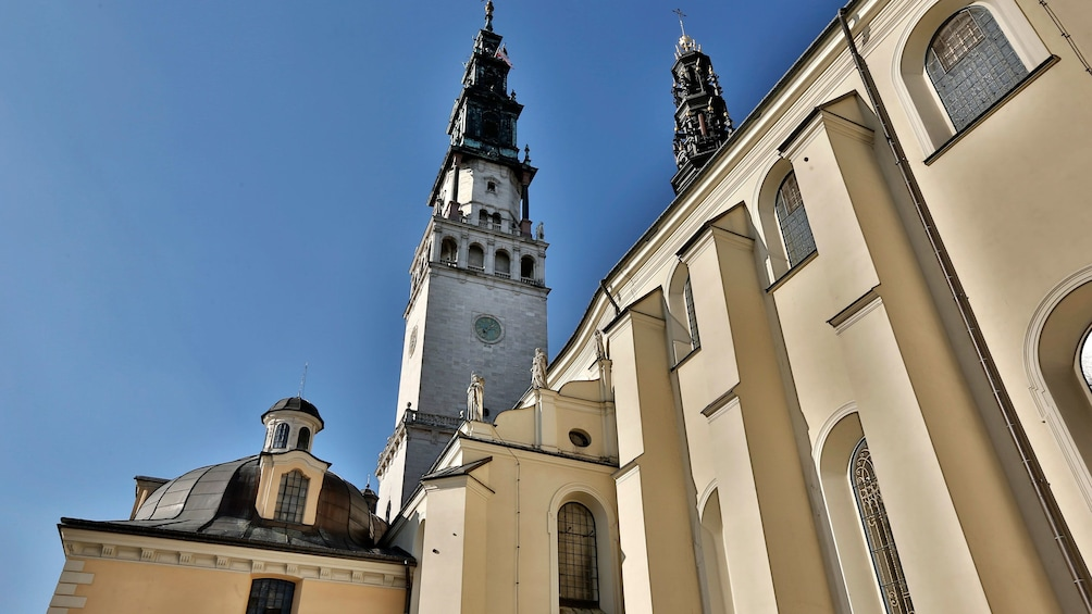 Åpne bilde 10 av 10. Close up view of a building in Poland