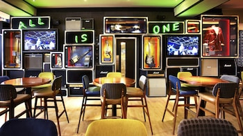 Pasto all'Hard Rock Cafe con posti prioritari