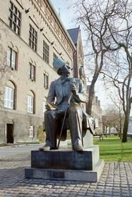 Hans Christian Andersen_1000.jpg