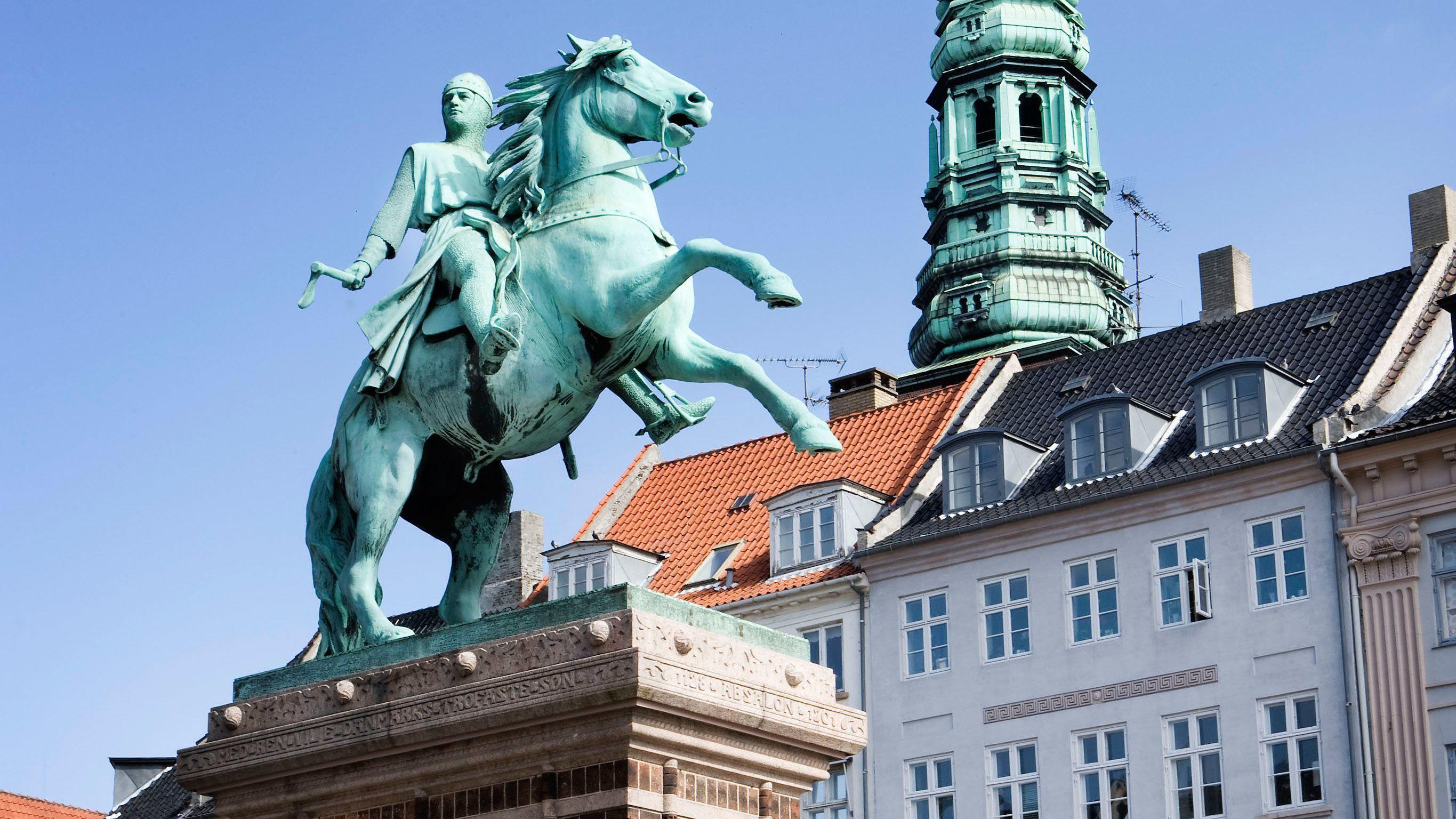 Statue of horse riding knight in Copenhagen