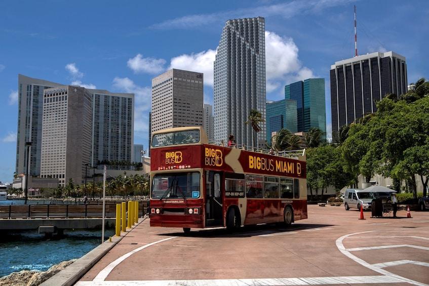 Carregar foto 1 de 11. Miami Hop-On Hop-Off Big Bus Tour