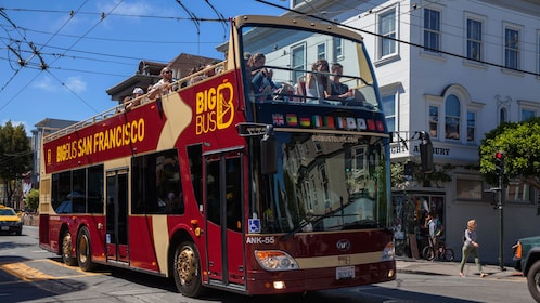 Sightseeing bus in the Haight-Ashbury district in San Francisco