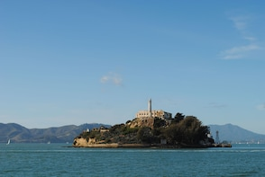 Alcatraz Island Ticket mit Hin- und Rückfahrt mit der Fähre und Big Bus Tou...