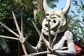 Private tour: Full day Goroka Experience with Asaro mud-men stop