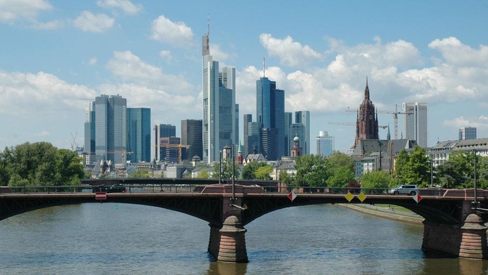 Ver elemento 1 de 5. city view in frankfurt