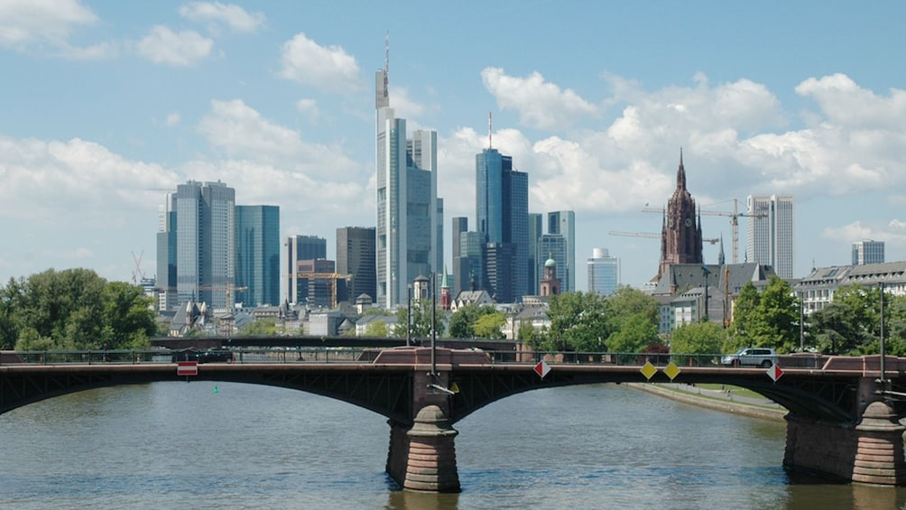 Öppna foto 5 av 7. city view in Frankfurt