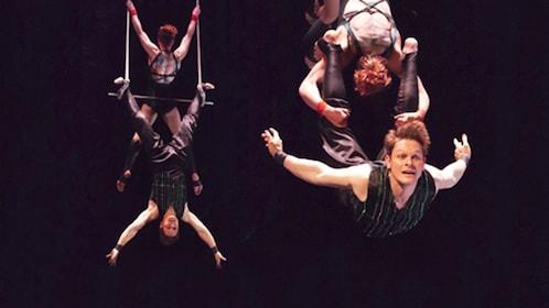 Trapeze performers in Frankfurt