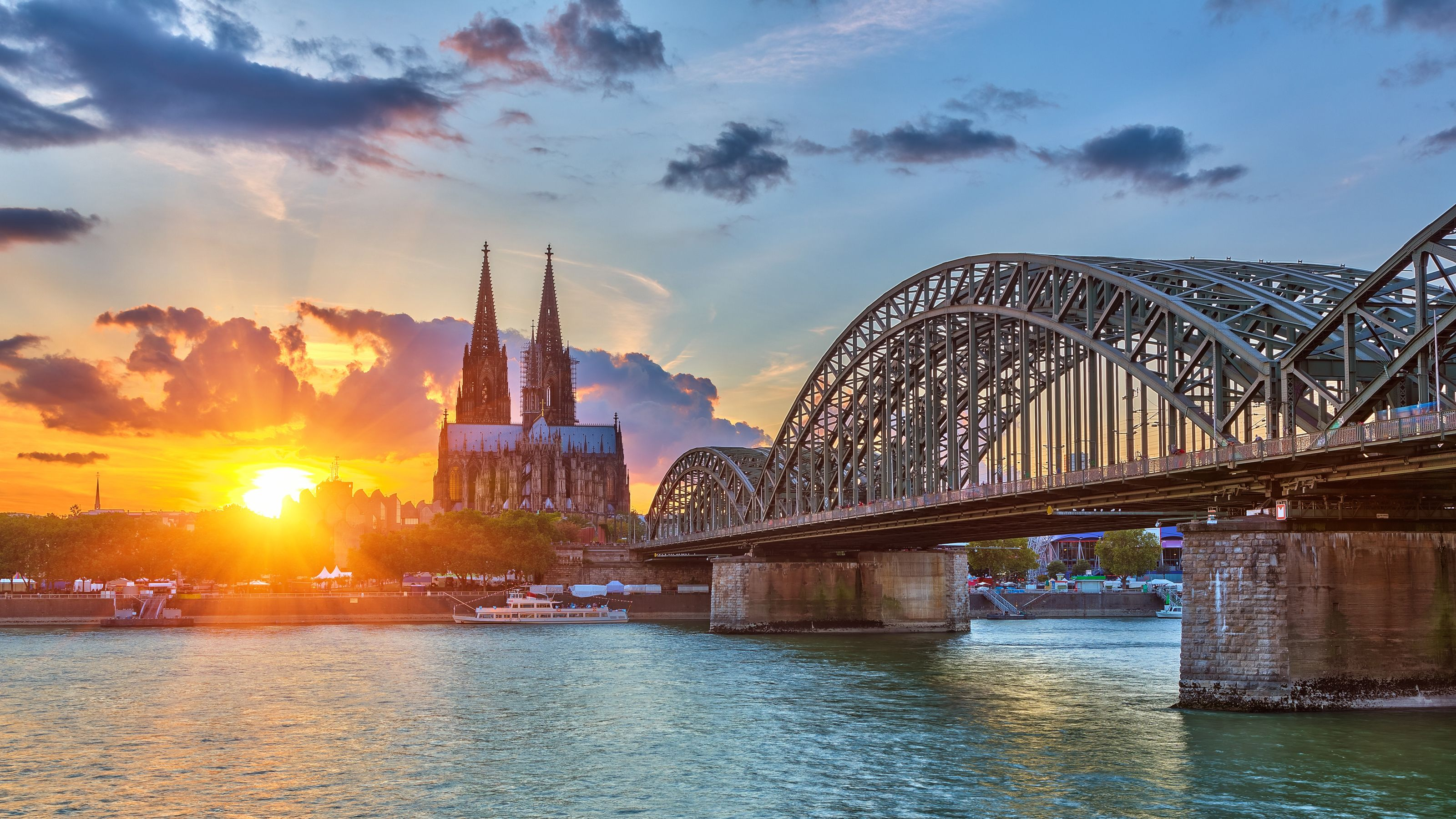 Sun setting at an old cathedral in Cologne