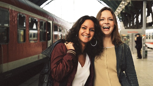 Women at the train station in Duesseldorf