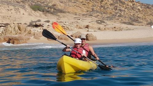 two people in paddling in kayak in Los Cabos