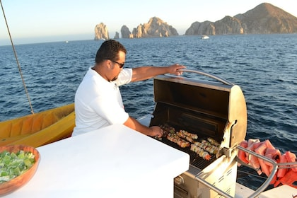 Los Cabos Sunset Cruise with Open Bar
