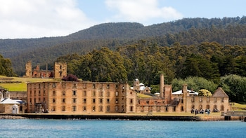 Grand Port Arthur Tour with Cruise from Hobart by Gray Line