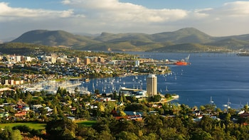 Hobart Highlights & Richmond Half-Day Tour