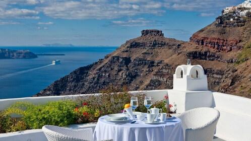 Having lunch at Santorini