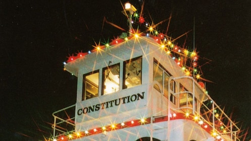 Carol Ship Quot Parade Of Lights Quot Dinner Cruise In Vancouver
