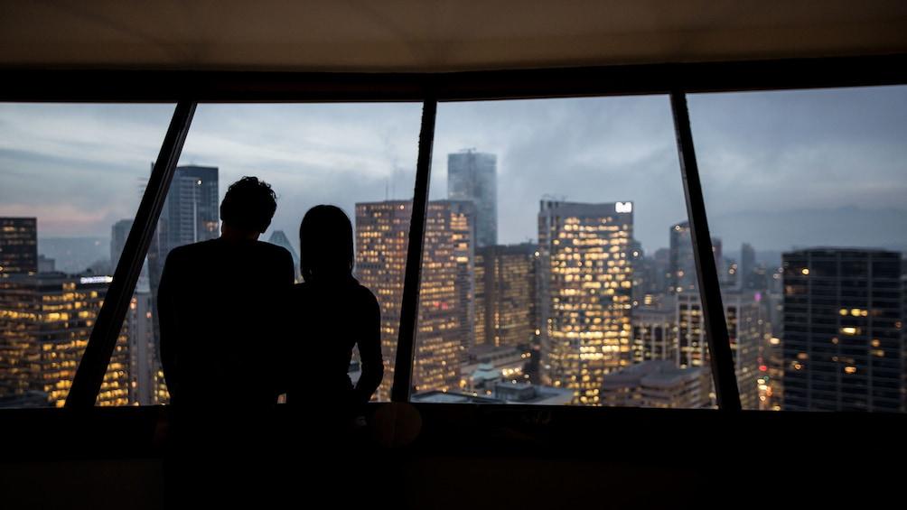 正在顯示第 3 張相片,共 15 張。 An evening on top of the lookout observation deck in Vancouver