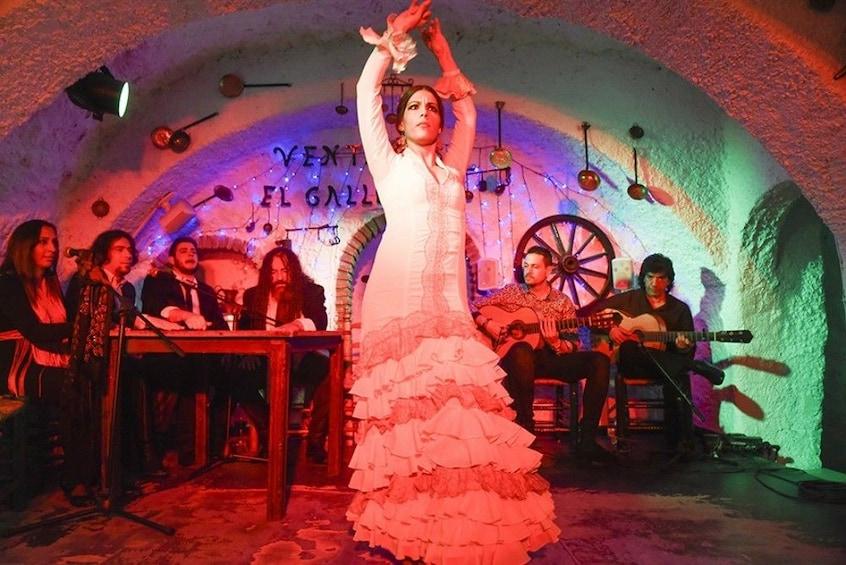Flamenco Show at Sacromonte with Transportation