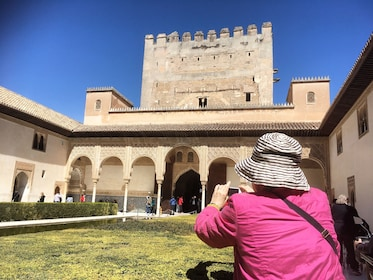 Alhambra & Generalife Admission Ticket with Audio Guide