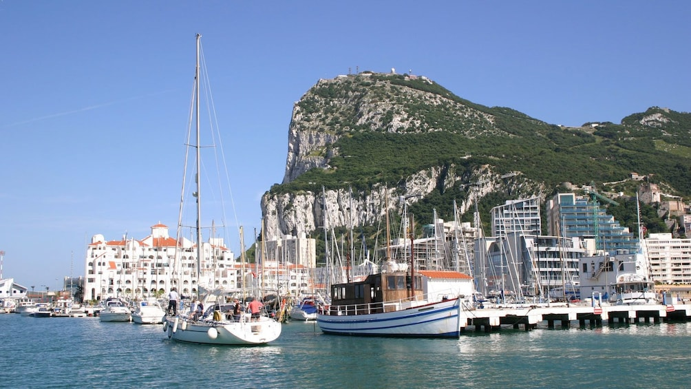 Cargar foto 1 de 6. Scenic day view of Gibraltar Andalusien