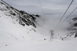 Day Trip from Brasov: Transfagarasan road by cable car