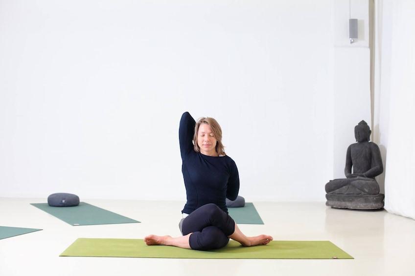 Critical Alignment Yoga at Yogafabriek