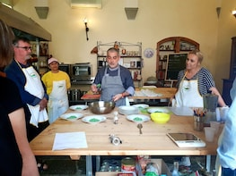 Intense weekly culinary programme in Tuscany