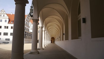 Dresden private tour with castle visit
