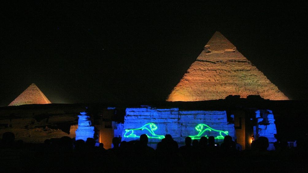 Foto 5 von 6 laden Stunning light show in Giza