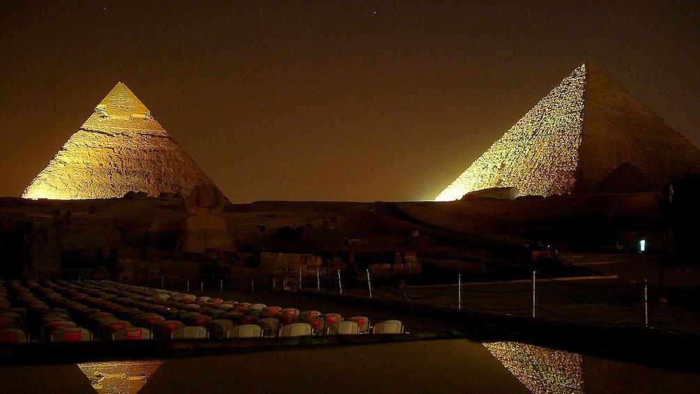 Foto 4 von 6 laden Stunning night view of Giza