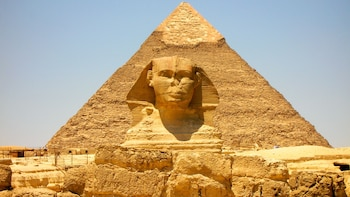 Giza, Antiquities Museum & Bazaar Full-Day Private Tour with Lunch