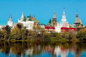 GERMAN Private Moscow Tour: Izmailovo Park & Vodka Museum