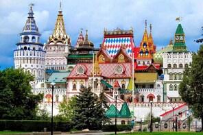 ITALIAN Private Moscow Tour: Izmailovo Park & Vodka Museum