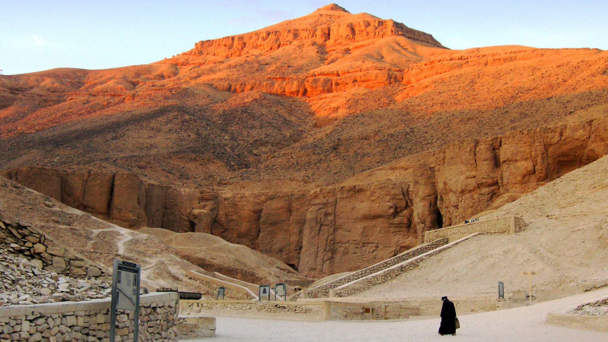 mountain view in luxor