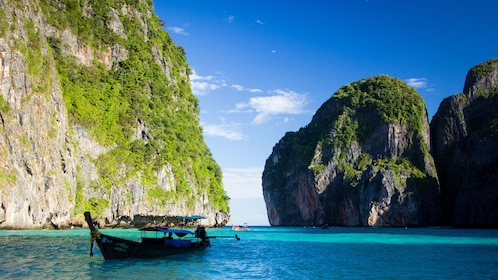 taking a raft to visit the small islands in Phuket