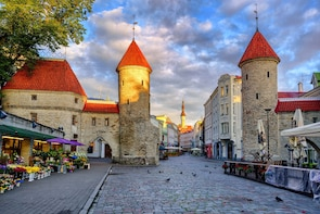 Tallinn Official Sightseeing Tour