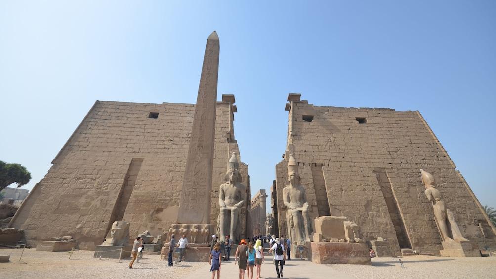 Foto 4 von 8 laden statues in egypt