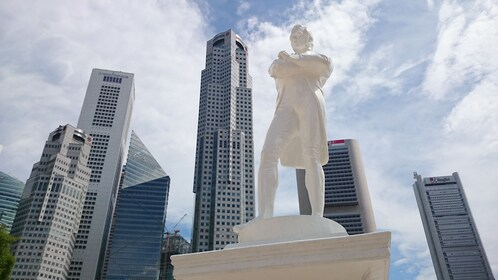 Giant sculpture man in downtown Singapore