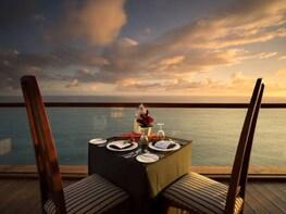 The Edge Bali Spa & Romantic Dinner at The Cliff Bar