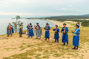 FRENCH Private Tour: Delve into Traditional Buryat Culture