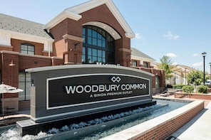 Woodbury Luxury Shuttle