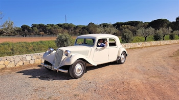 Half-day French Riviera Tour in vintage car : Perfurme