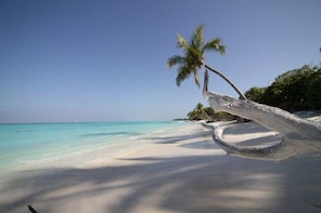 Visit to Hideaways- Adaaran Select Huduvanfushi- Maldives