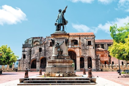 Guided Santo Domingo Sightseeing & Old Town Tour with Lunch