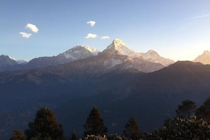 4 Days Trekking to Poon Hill with Nepal Cultural Village Experience